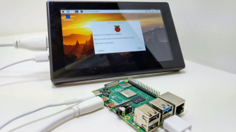 Raspberry Pi 4, Waveshare 7inch HDMI Capacitive Touch Screen Unboxing and First Use